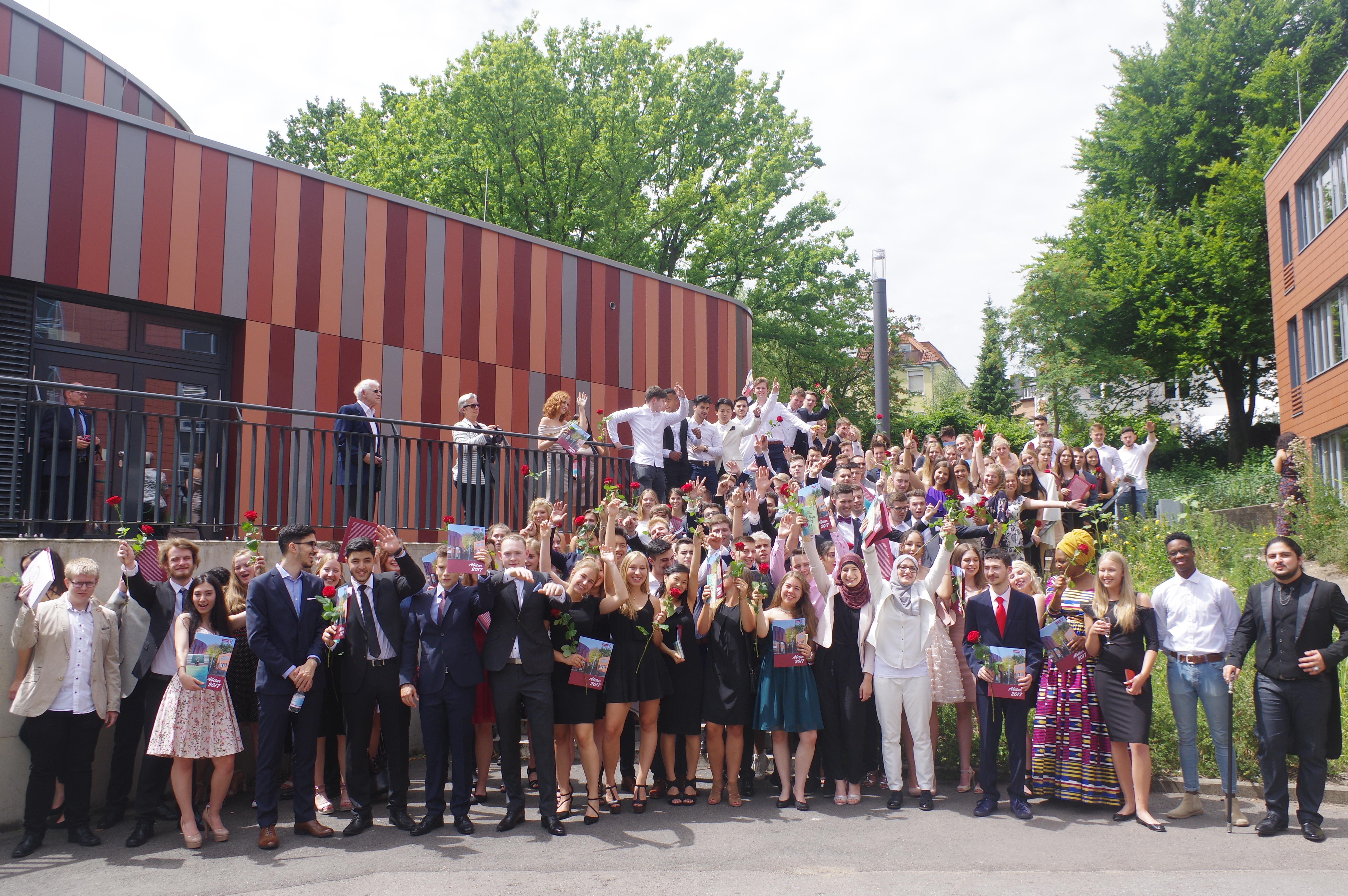 Herzlichen Glückwunsch zum Abitur! – Couven Gymnasium Aachen